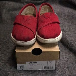 Baby girls Red canvas Toms